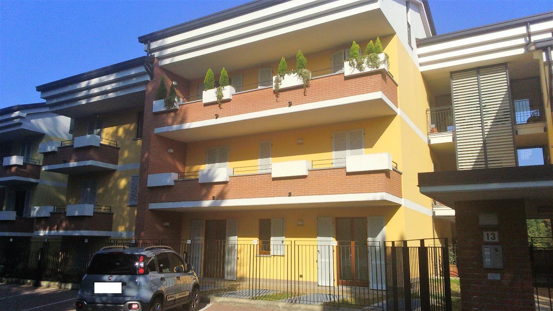 Appartamento in vendita a Monticello Brianza, 3 locali, zona Località: Semicentrale, prezzo € 270.000 | CambioCasa.it