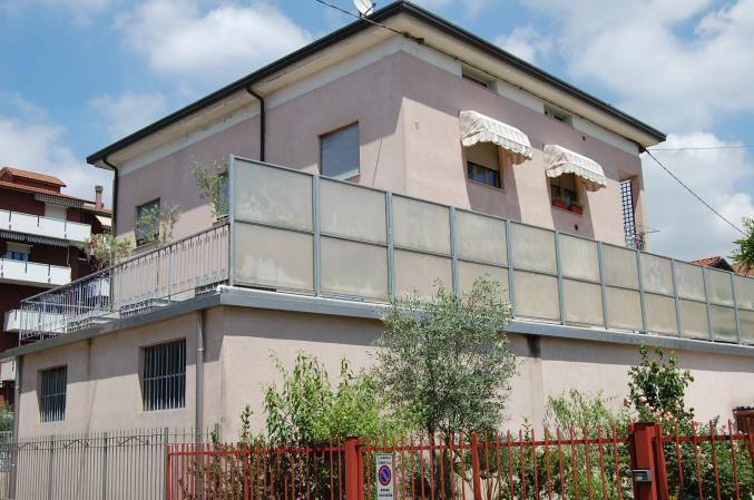 Villa in vendita a Cisano Bergamasco, 7 locali, prezzo € 550.000 | Cambio Casa.it