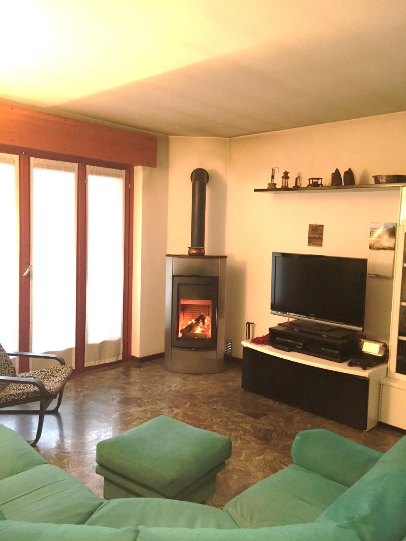 Soluzione Indipendente in vendita a Lecco, 4 locali, zona Zona: San Giovanni, prezzo € 284.000 | Cambio Casa.it