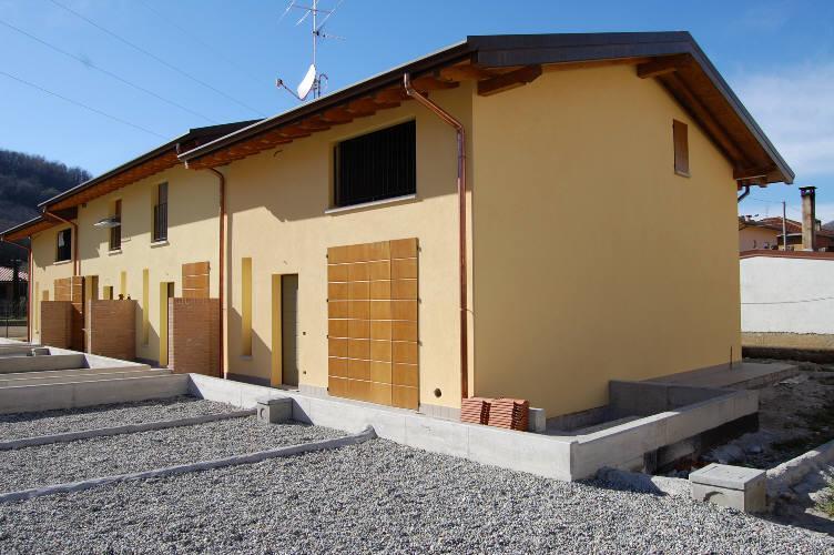 Villa a Schiera in Vendita a Ambivere