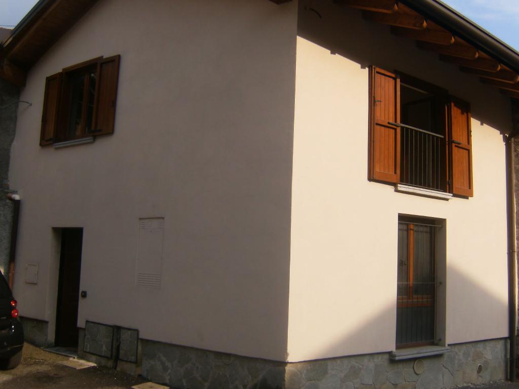 Appartamento in vendita a Ballabio, 3 locali, prezzo € 108.000 | CambioCasa.it