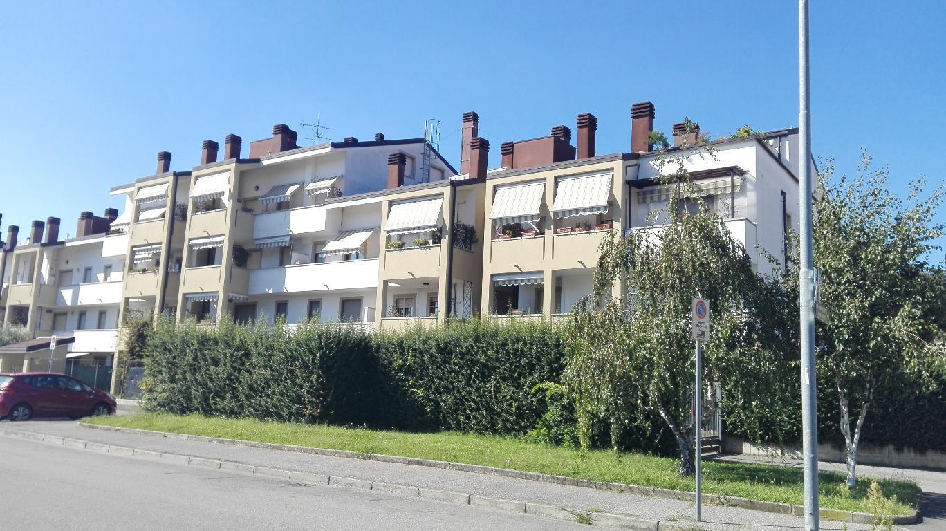 Bilocale Monza Via Timavo 23 1