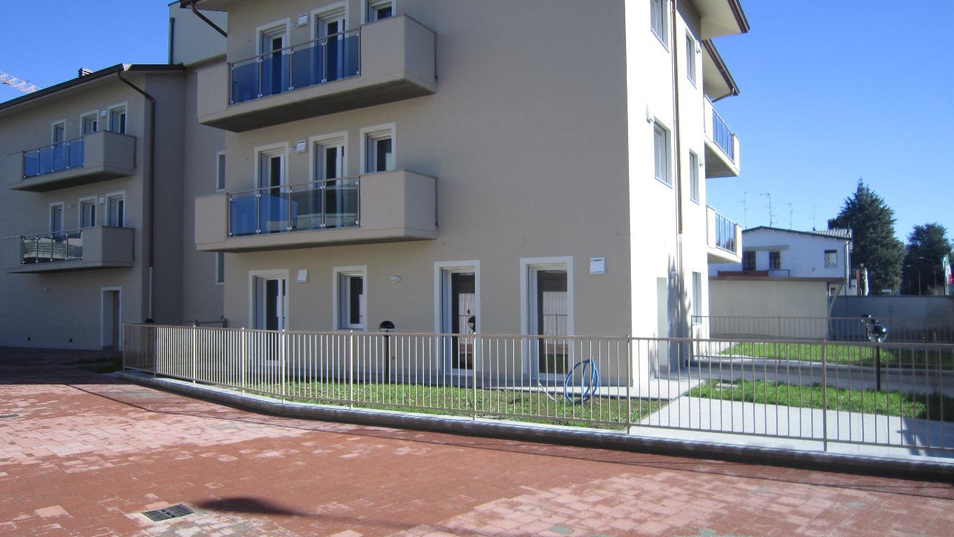 Appartamento bilocale in vendita a lodi agenzie for Piani immobiliari