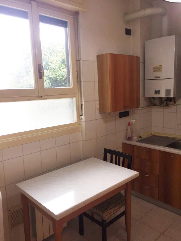 Bilocale Milano Via Astico 18 10