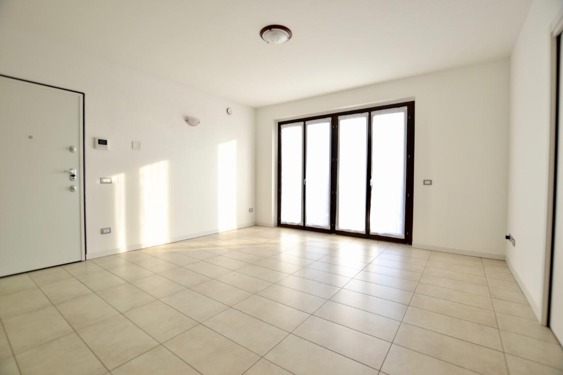 Appartamento in affitto a Caprino Bergamasco, 3 locali, zona Località: S. Antonio, prezzo € 600 | CambioCasa.it
