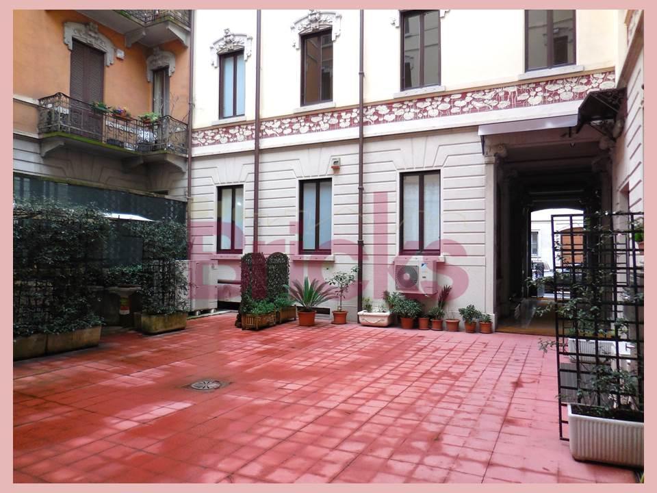 Bilocale Milano Via Zenale 11 1