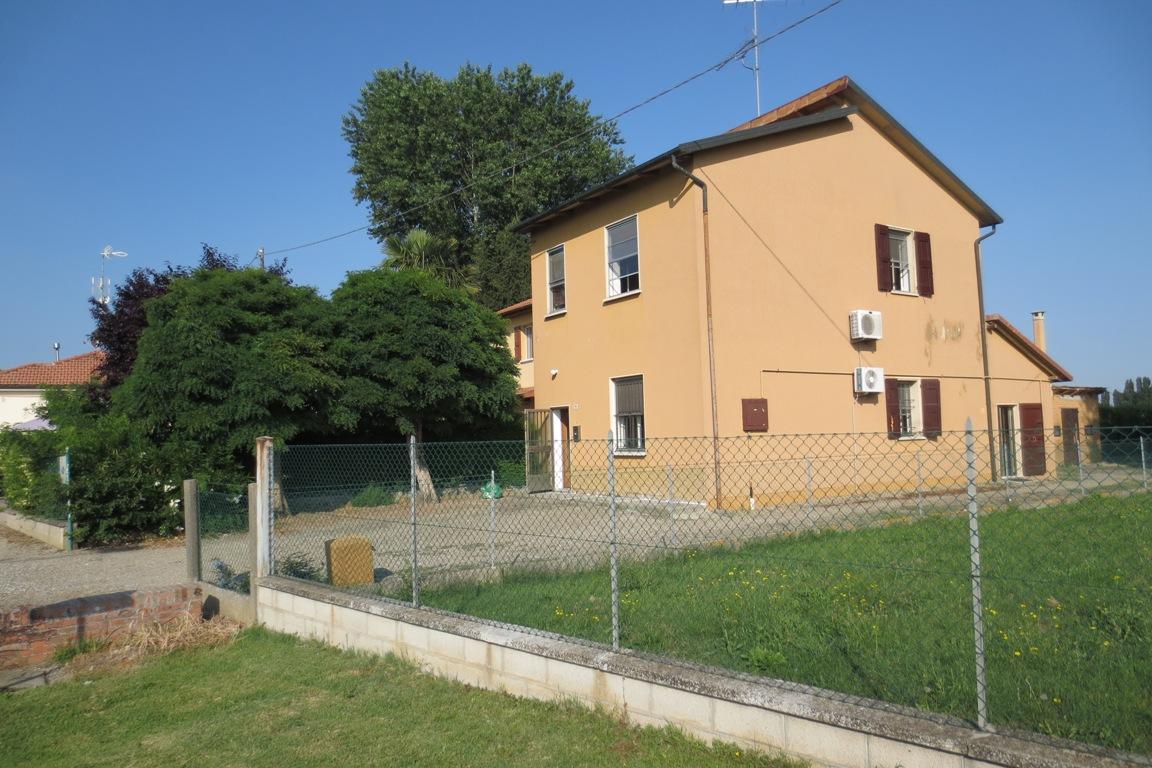 Villa Unifamiliare - Indipendente a Budrio (BO). Ville - Case a ...