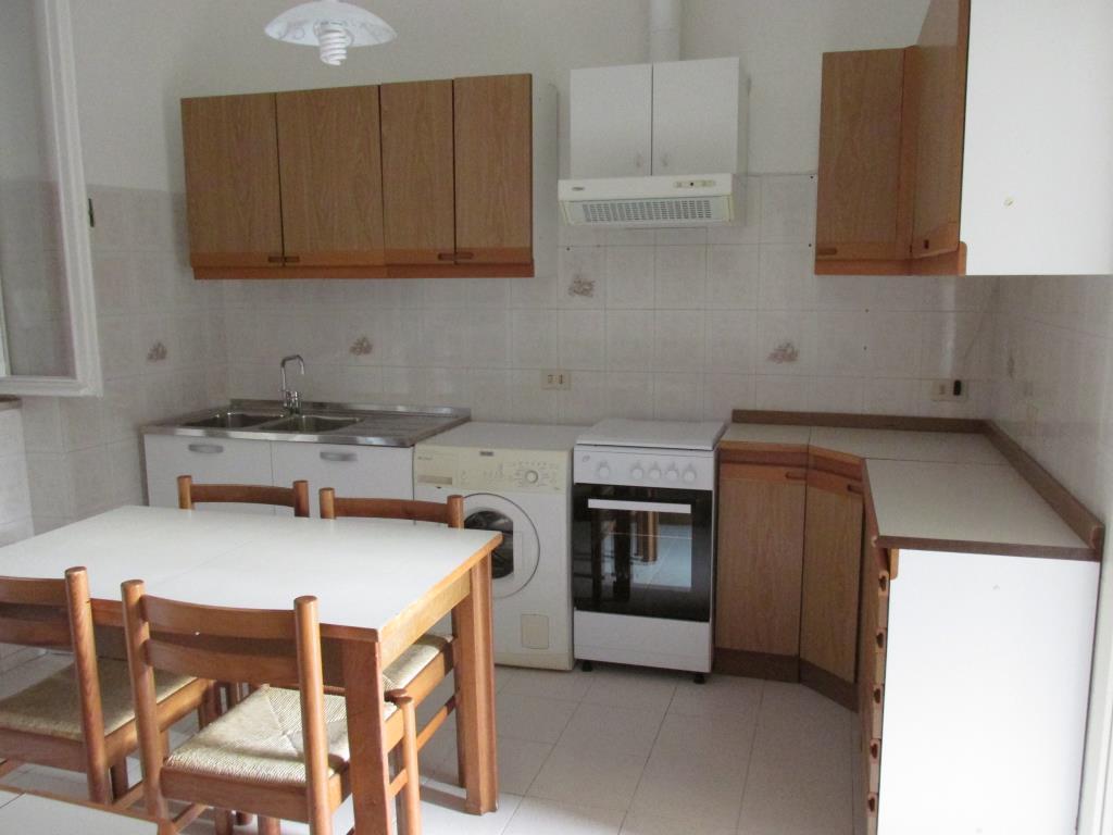 Appartamento in affitto a Como, 2 locali, zona Località: Borghi, prezzo € 500 | Cambio Casa.it