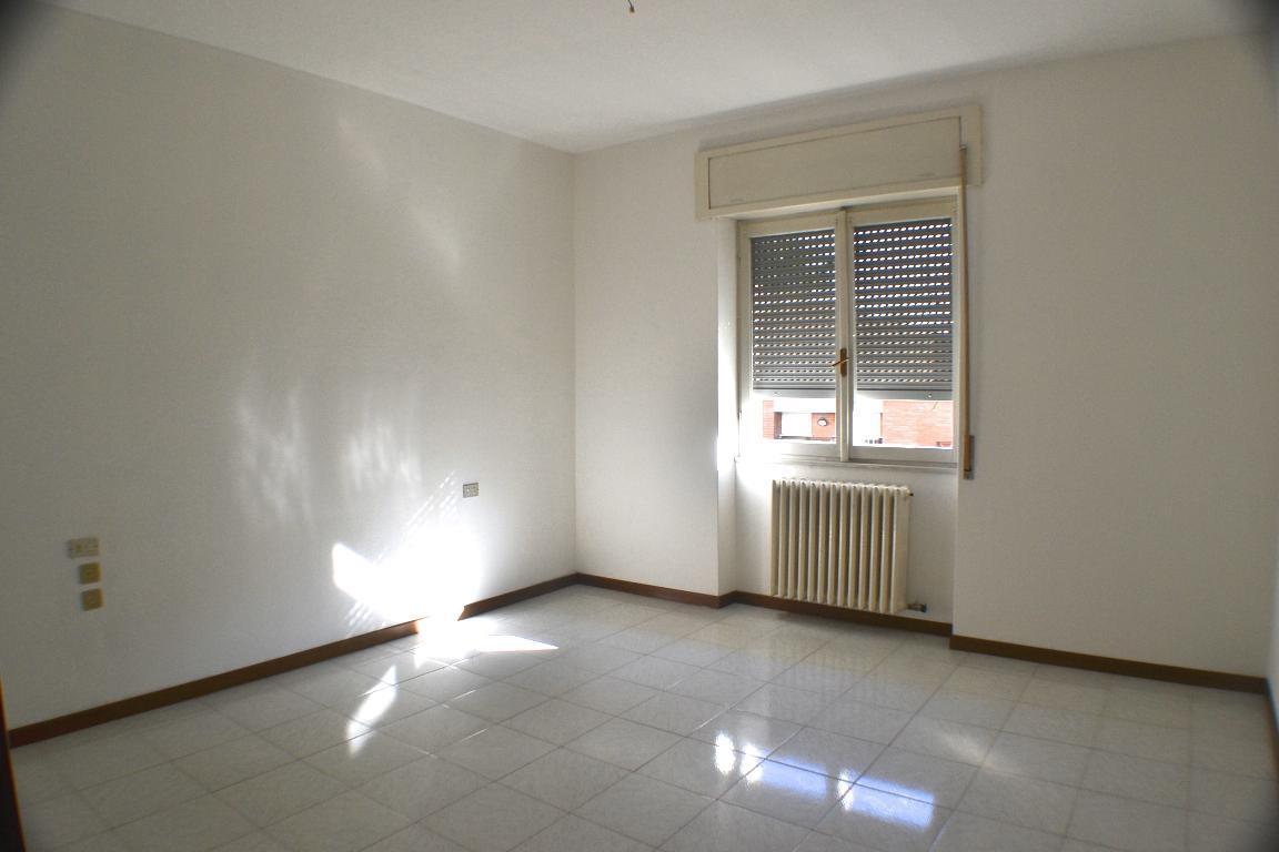 Appartamento in affitto a Calolziocorte, 3 locali, zona Zona: Rossino, prezzo € 480 | Cambio Casa.it