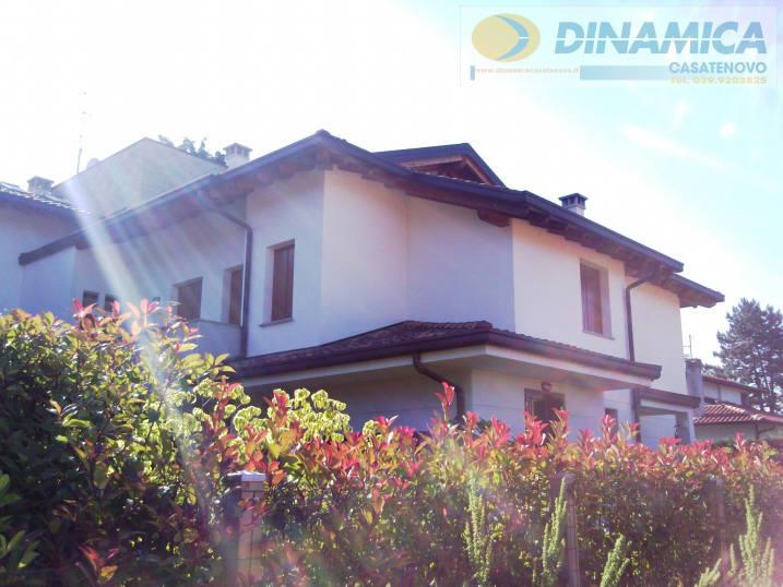 Bilocale Lomagna Via Villaggio Dei Pini 2