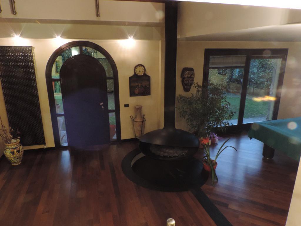 Villa in vendita a Cisano Bergamasco, 5 locali, Trattative riservate | Cambio Casa.it