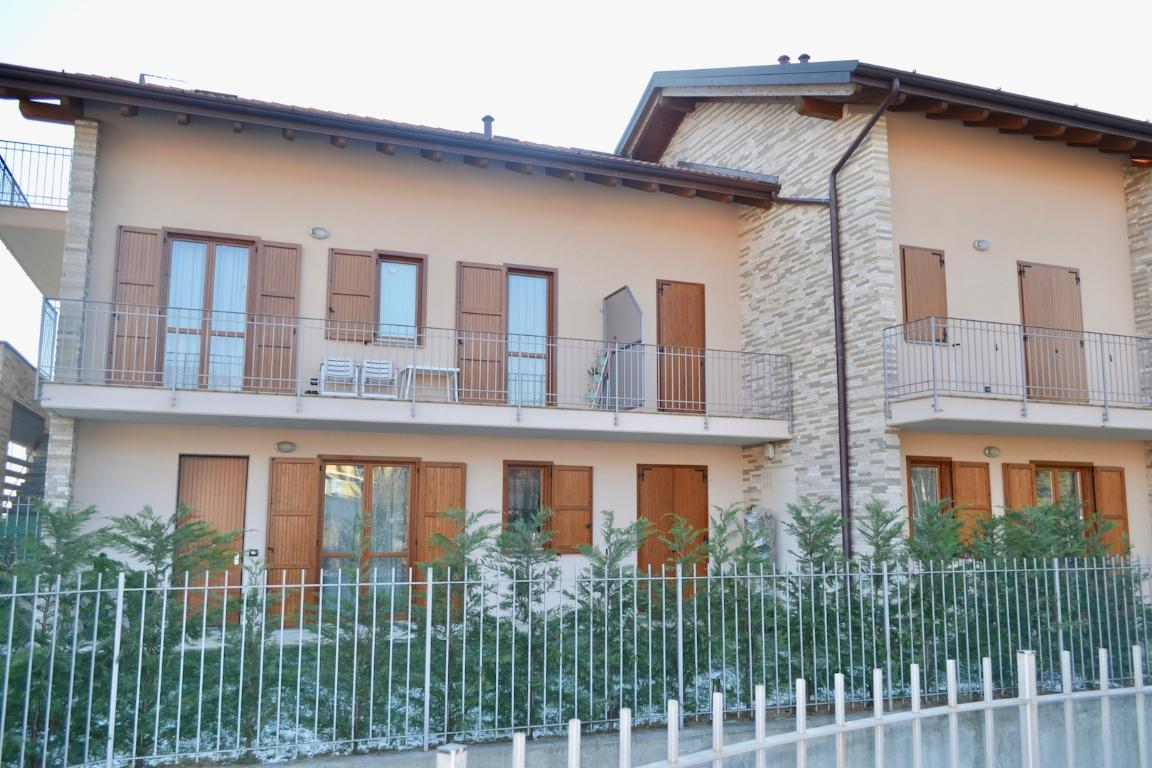 Appartamento in vendita a Barzana, 5 locali, prezzo € 275.000 | Cambio Casa.it