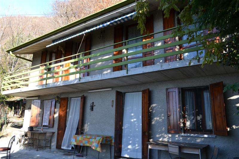 Soluzione Indipendente in vendita a Caprino Bergamasco, 4 locali, zona Zona: Opreno, prezzo € 95.000 | Cambio Casa.it