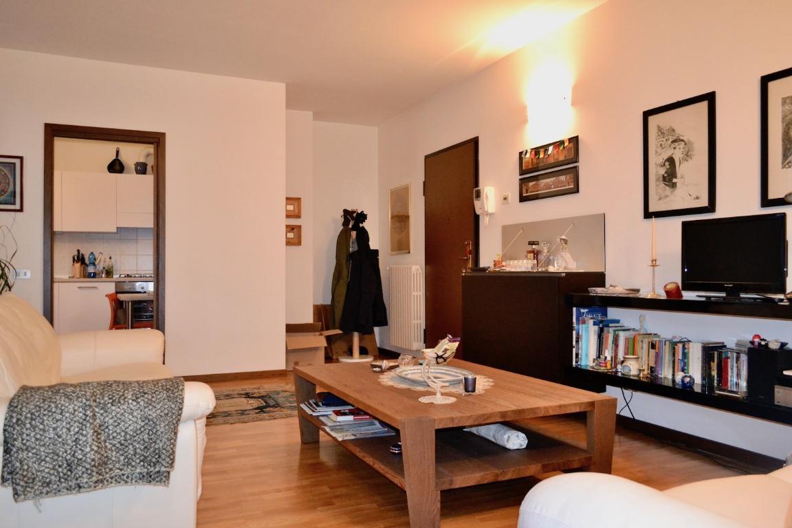 Appartamento in affitto a Brivio, 2 locali, prezzo € 550 | Cambio Casa.it