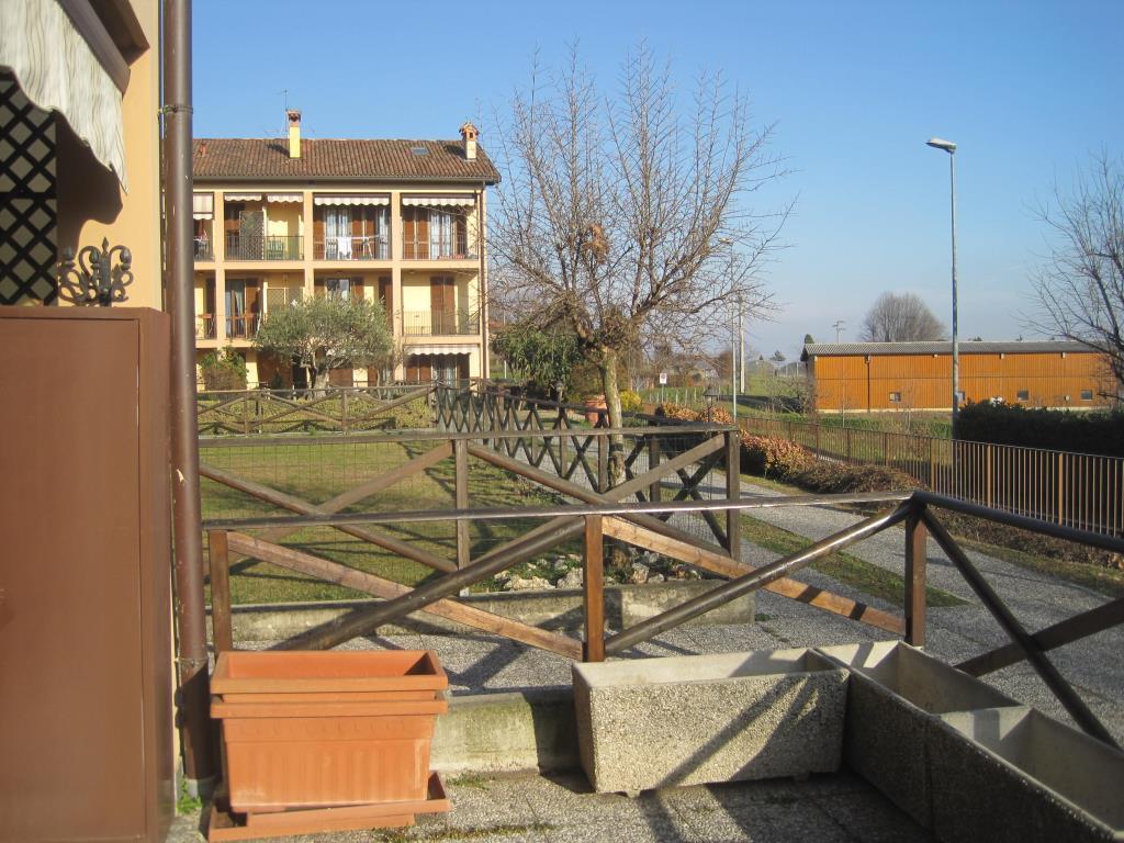 Appartamento in vendita a Casatenovo, 2 locali, zona Località: centro, prezzo € 89.000 | CambioCasa.it