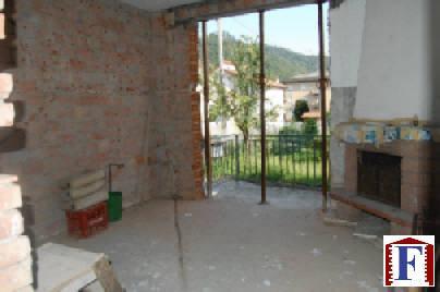Villa in vendita a Caprino Bergamasco, 4 locali, zona Località: Centro, prezzo € 210.000 | Cambio Casa.it