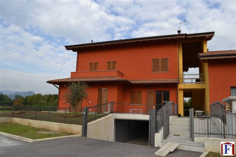 Appartamento in vendita a Mapello, 5 locali, prezzo € 240.000 | Cambio Casa.it