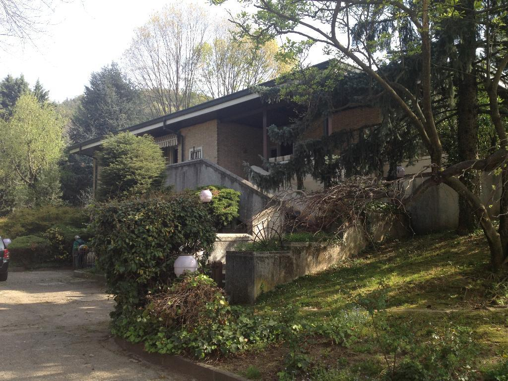 Villa in vendita a Villa d'Adda, 10 locali, prezzo € 490.000 | Cambio Casa.it