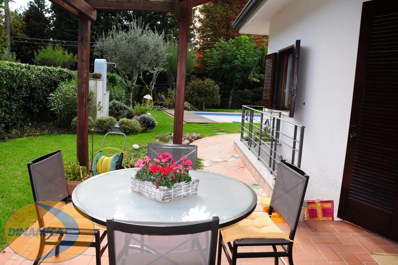 Villa in vendita a Sirtori, 5 locali, zona Località: Collinare, prezzo € 890.000 | Cambio Casa.it
