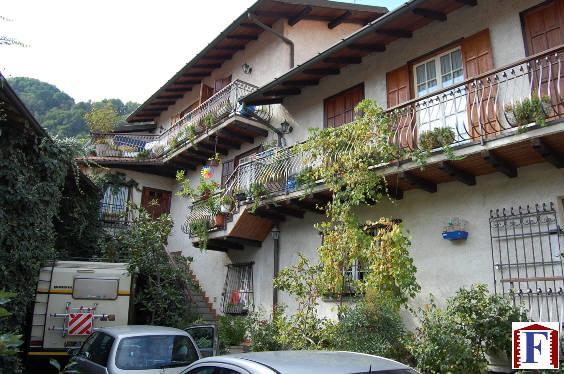 Soluzione Semindipendente in vendita a Airuno, 3 locali, zona Località: Centro, prezzo € 150.000 | Cambio Casa.it