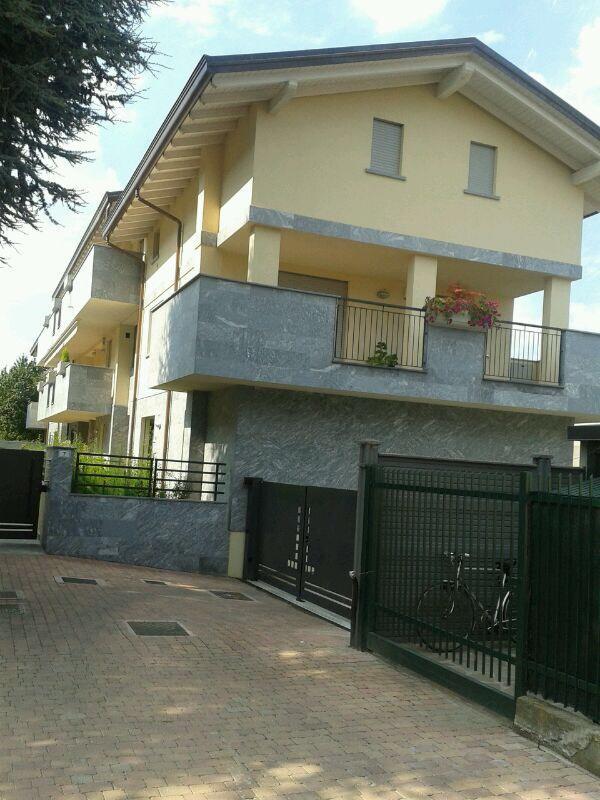 Appartamento in vendita a Muggiò, 3 locali, prezzo € 320.000 | Cambiocasa.it