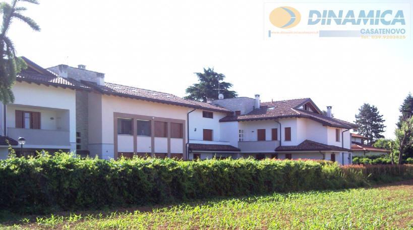 Bilocale Lomagna Via Villaggio Dei Pini 4