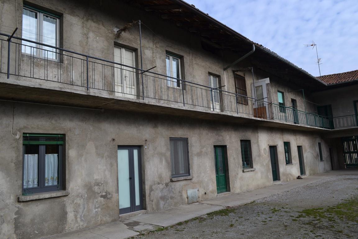 Rustico / Casale in vendita a Pontida, 7 locali, prezzo € 220.000 | Cambio Casa.it
