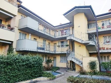 Appartamento in affitto a Seveso, 2 locali, zona Località: S. Pietro, prezzo € 550 | Cambio Casa.it