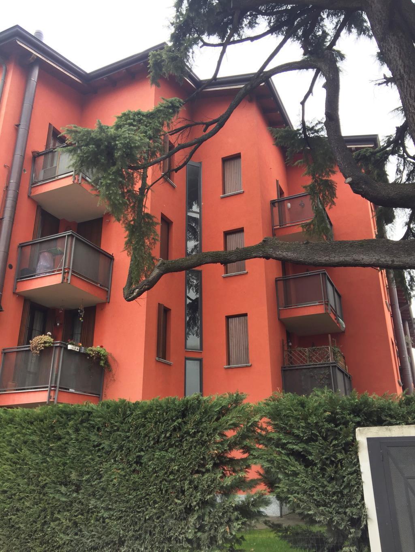 Bilocale Monza Via Asiago 8 10