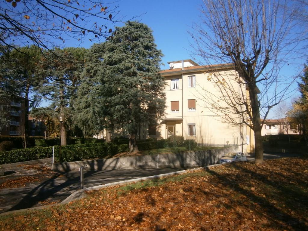 Bilocale Lomagna Via Pascoli 4 2