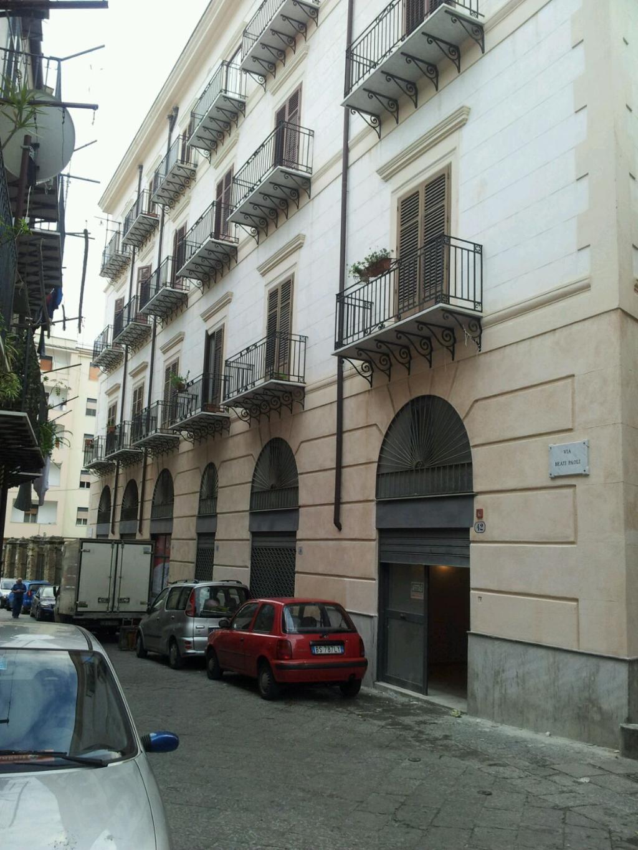 Bilocale Palermo Via Carrettieri 1