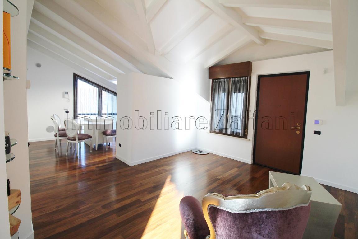 mansarda sottotetto soffitta solaio vendita parabiago di metri quadrati 90 prezzo 250000 rif iz640 126