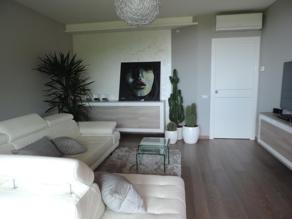 Appartamento in vendita a Villa d'Adda, 3 locali, prezzo € 298.000 | CambioCasa.it