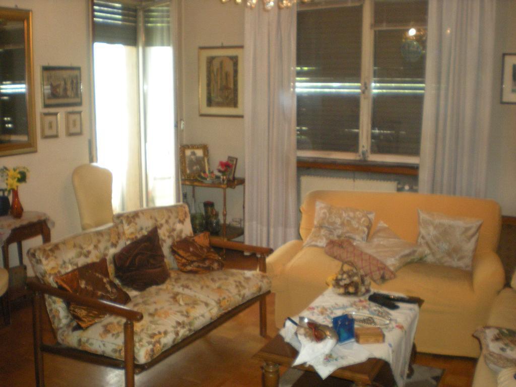 Appartamento in affitto a Como, 2 locali, zona Località: Sagnino, prezzo € 550 | Cambio Casa.it