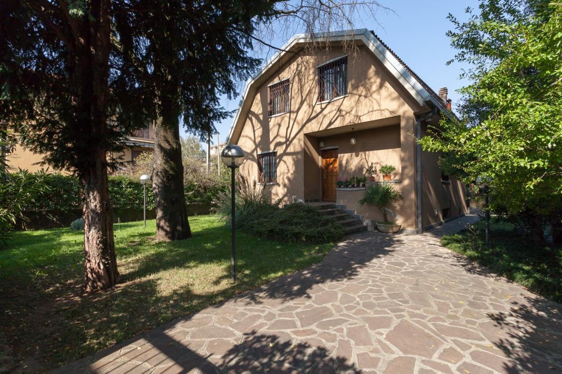 Villa in vendita a Monza, 5 locali, zona Località: San Fruttuoso, prezzo € 480.000 | Cambio Casa.it
