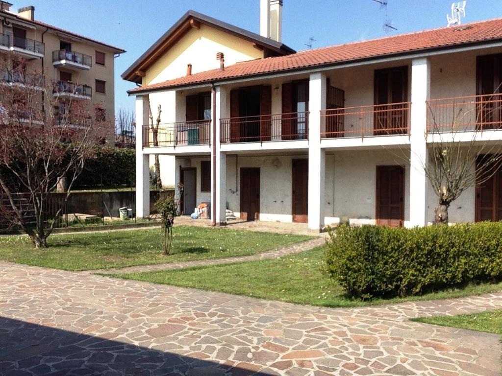Bilocale Cornate d Adda Via Mazzini 37 3