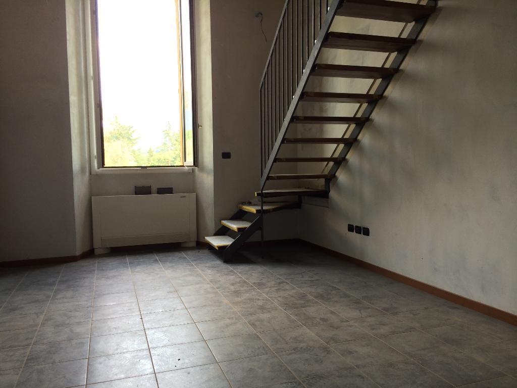 Appartamento in affitto a Brivio, 2 locali, prezzo € 500 | CambioCasa.it