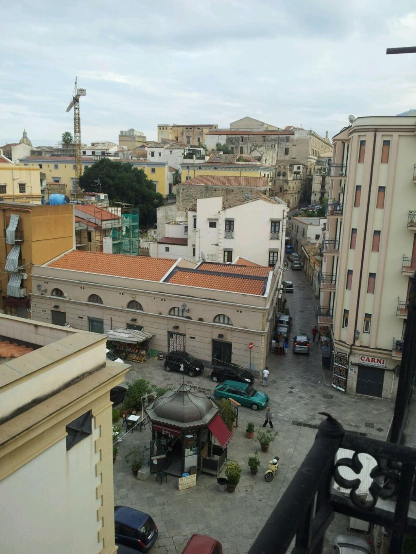 Bilocale Palermo Via Carrettieri 7