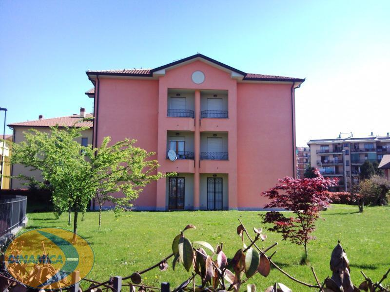Appartamento in vendita a Usmate Velate, 2 locali, prezzo € 110.000 | Cambio Casa.it