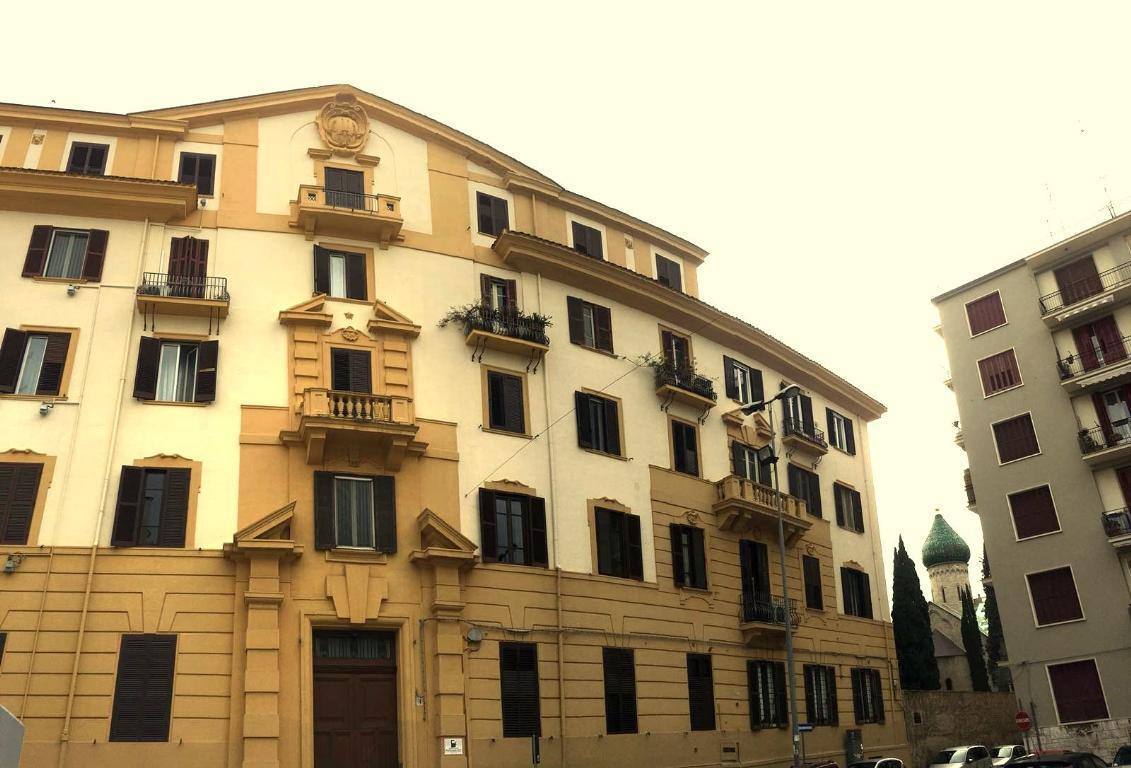Appartamento, VIA DE RUGGERO, Vendita - Bari (Bari)