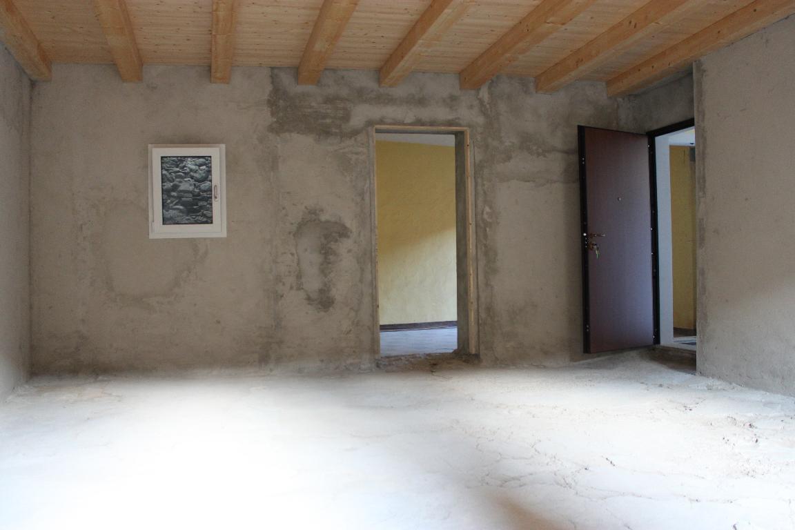 Bilocale Mandello del Lario Via Montello 21 1