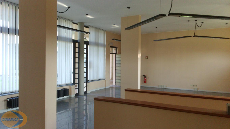 Negozio / Locale in vendita a Inverigo, 2 locali, zona Località: Centro, prezzo € 149.000 | CambioCasa.it