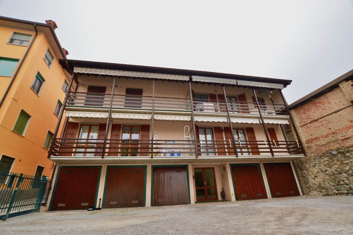 Appartamento in vendita a Caprino Bergamasco, 3 locali, zona Zona: Celana, prezzo € 109.000 | CambioCasa.it