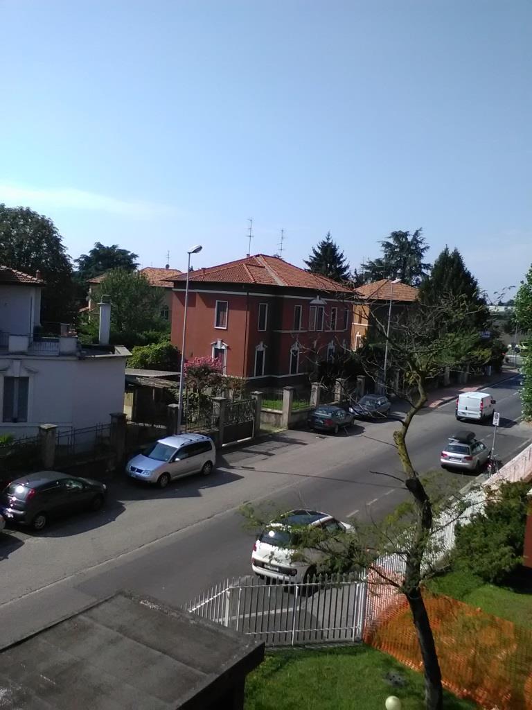 Bilocale Monza Via Monte Lungo 30 3