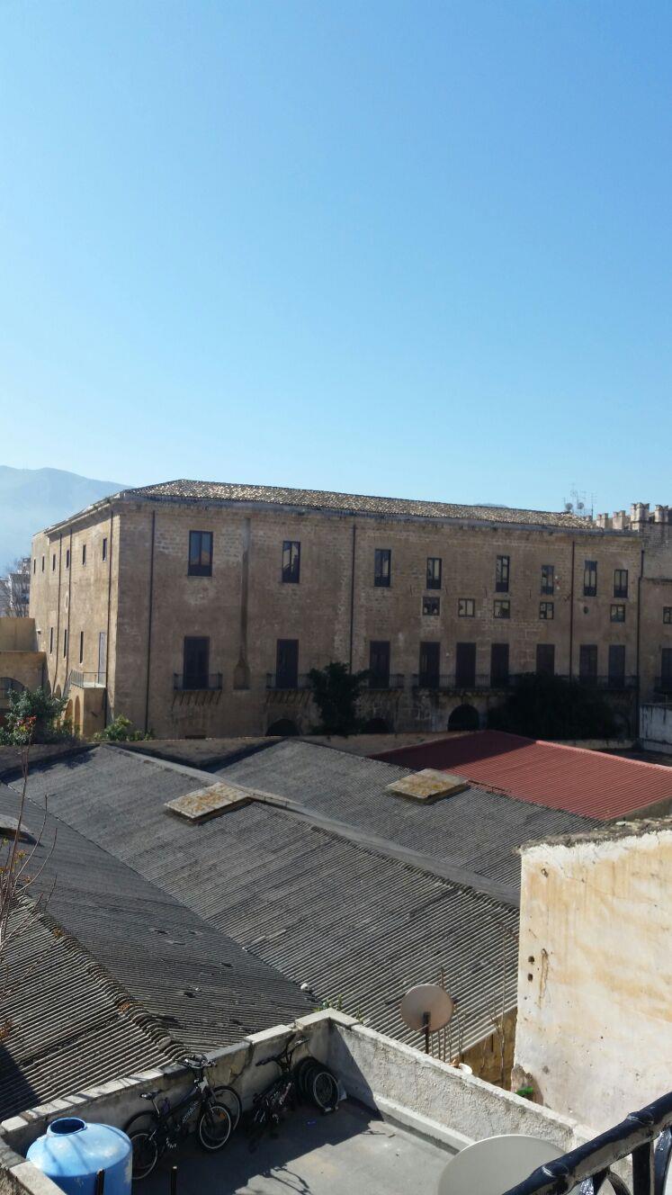 Bilocale Palermo Via Schiavuzzo 6