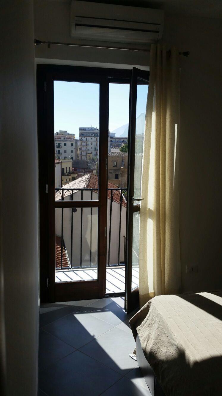 Bilocale Palermo Via Schiavuzzo 3
