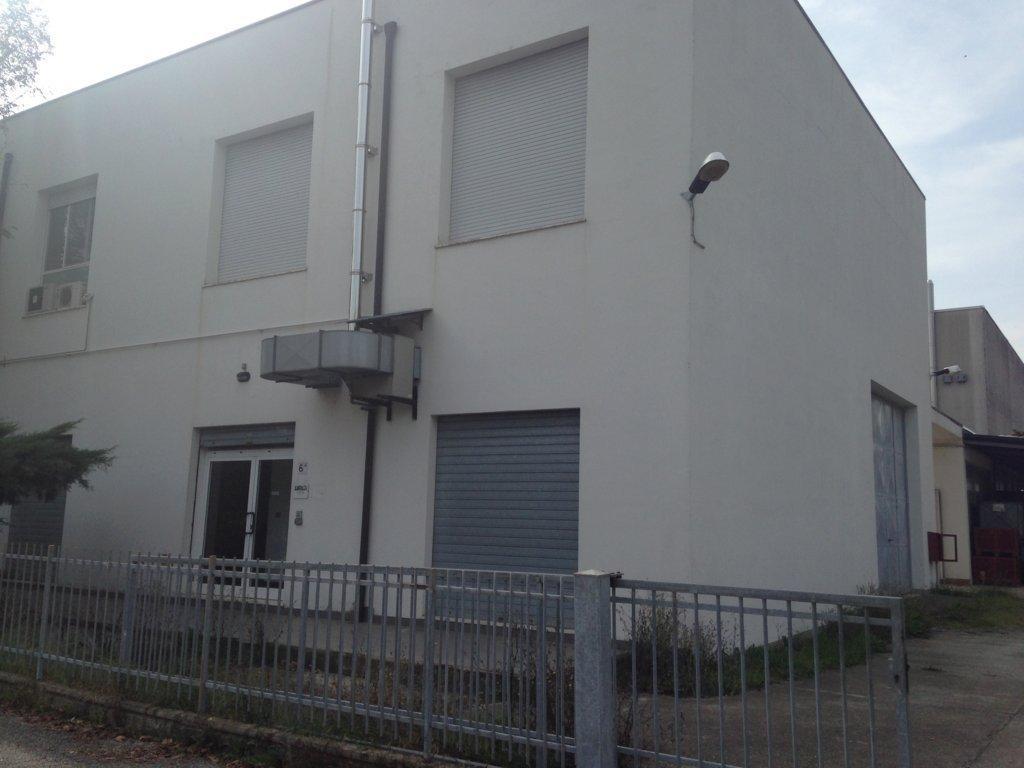 Ufficio / Studio in affitto a Minerbio, 9999 locali, prezzo € 700 | Cambio Casa.it