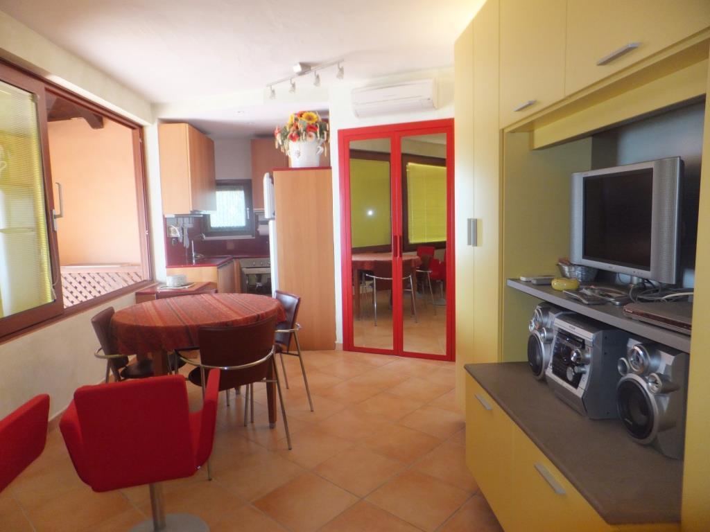 Appartamento in vendita a San Teodoro, 3 locali, prezzo € 290.000   Cambio Casa.it