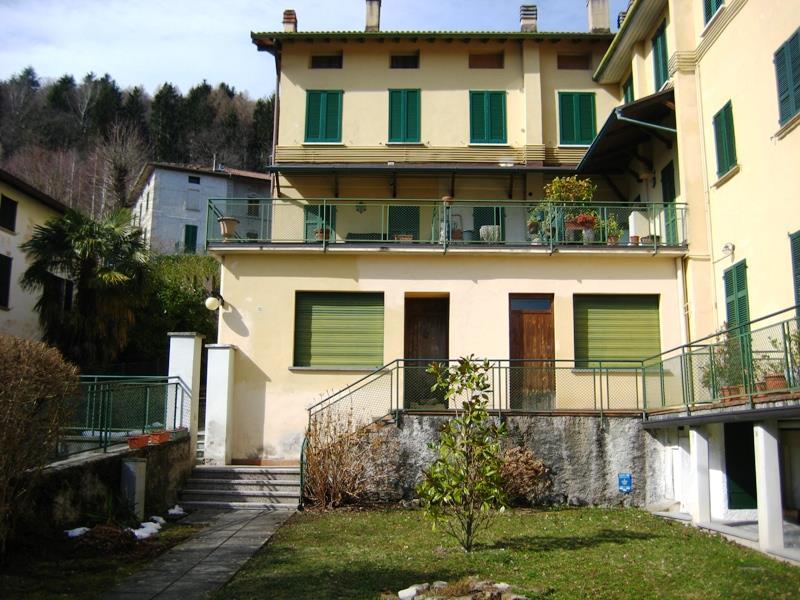 Bilocale Ramponio Verna Via Cavour 1 1