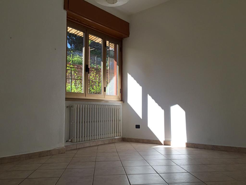 Bilocale Besozzo Via Monteggia 13 10